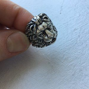 sterling silver lion ring. Medium sz for women